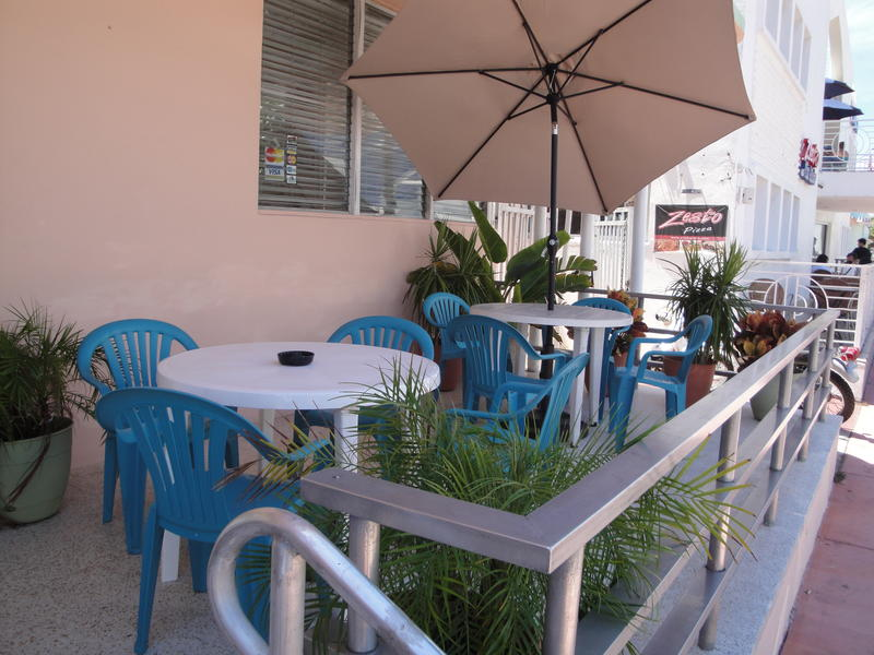 Island House South Beach best hostels in Miami
