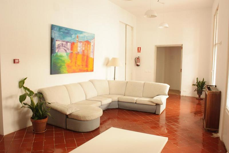 Innsa Hostel best hostels in Valencia