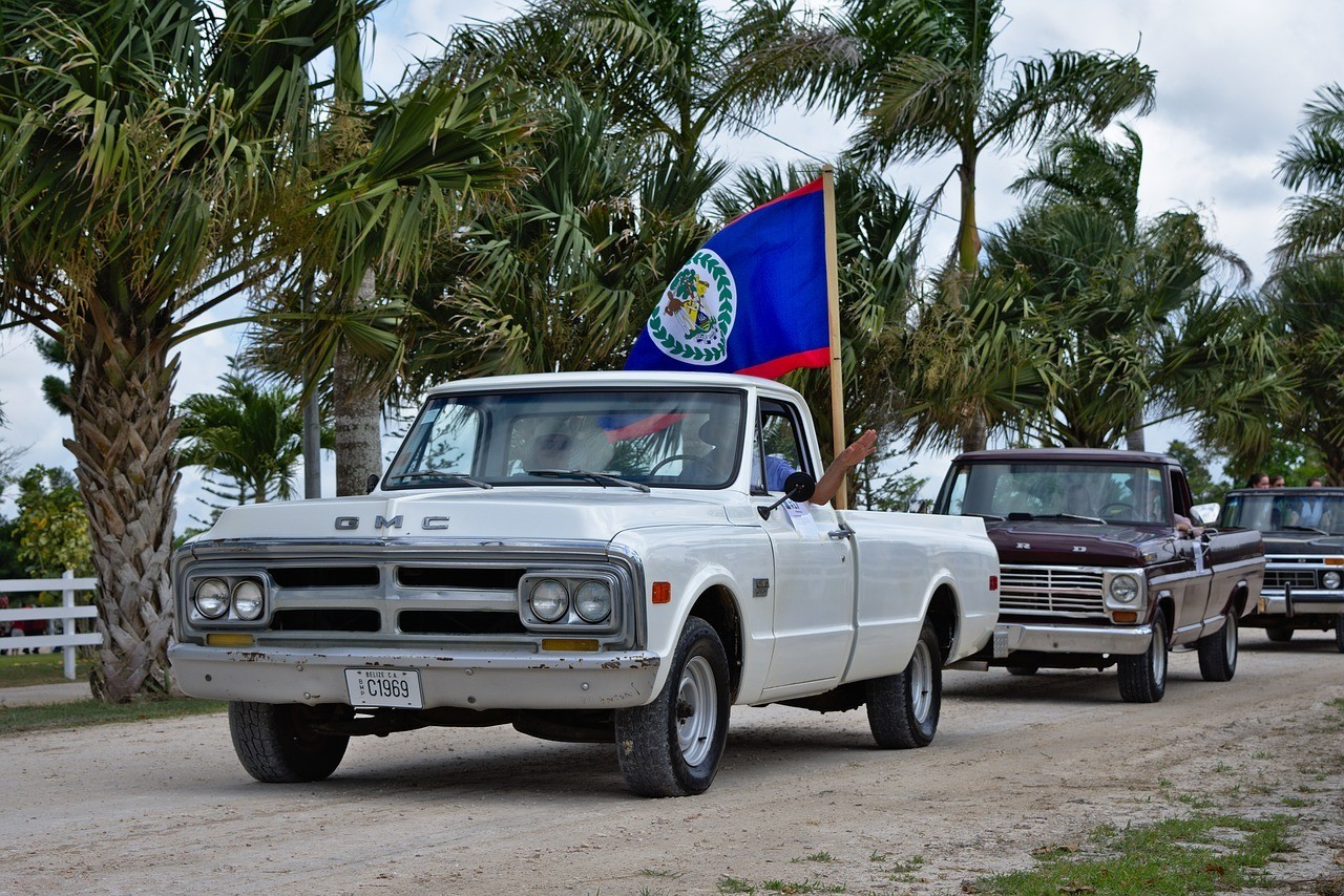 is it safe to drive in belize
