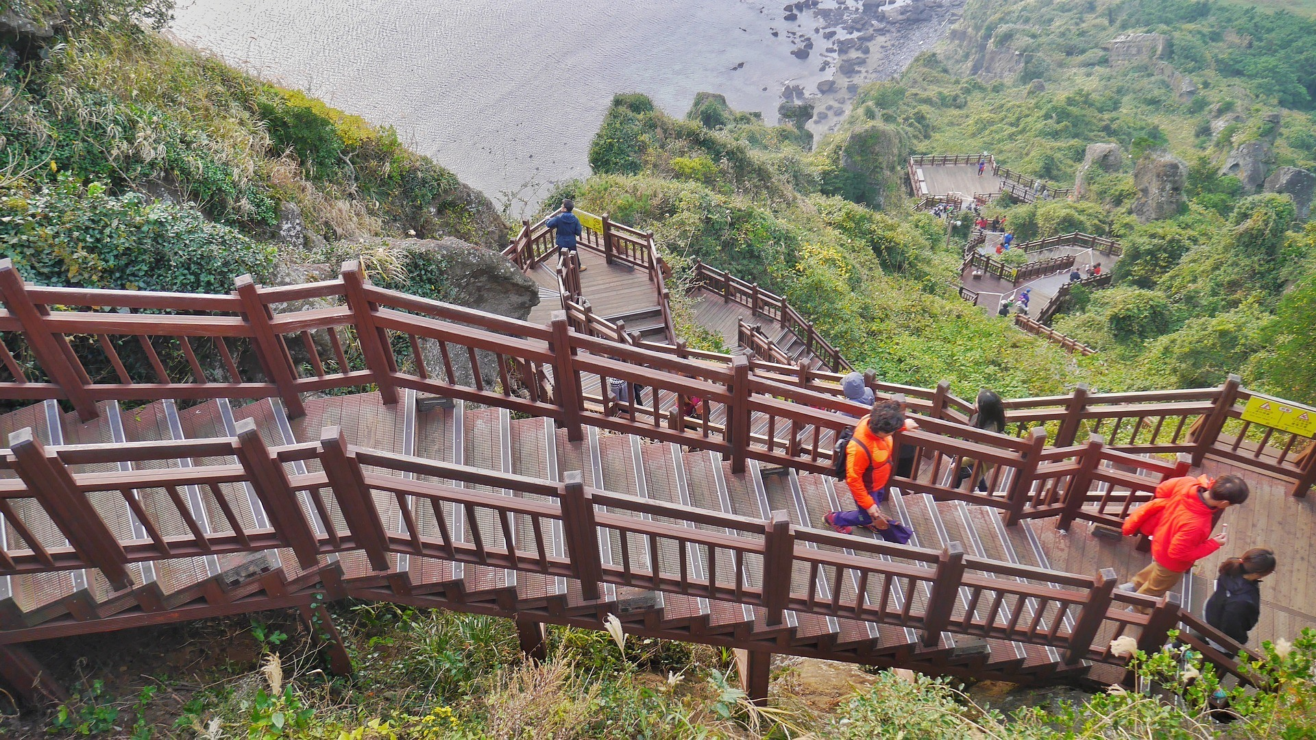 safety tips for traveling in south korea hiking