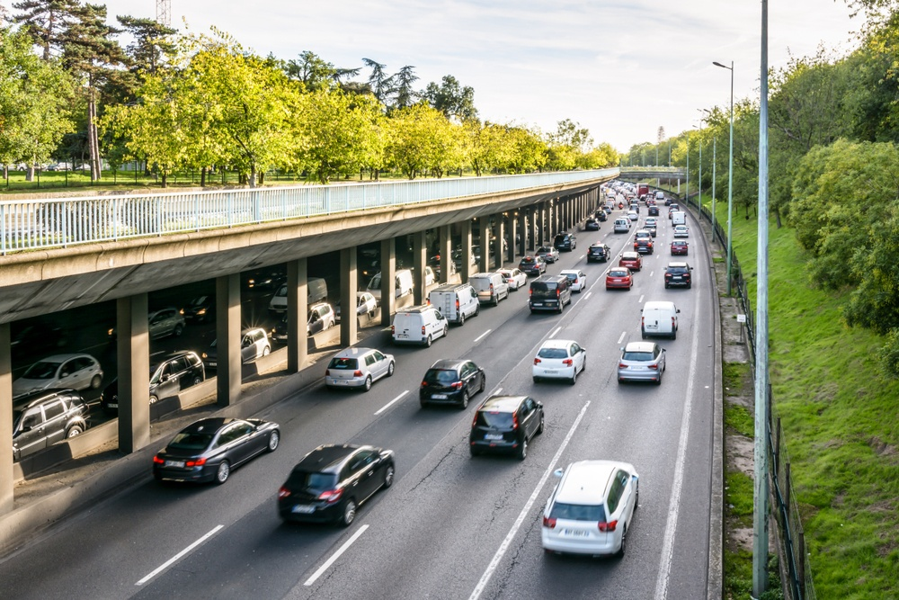Is it safe to drive in Paris?