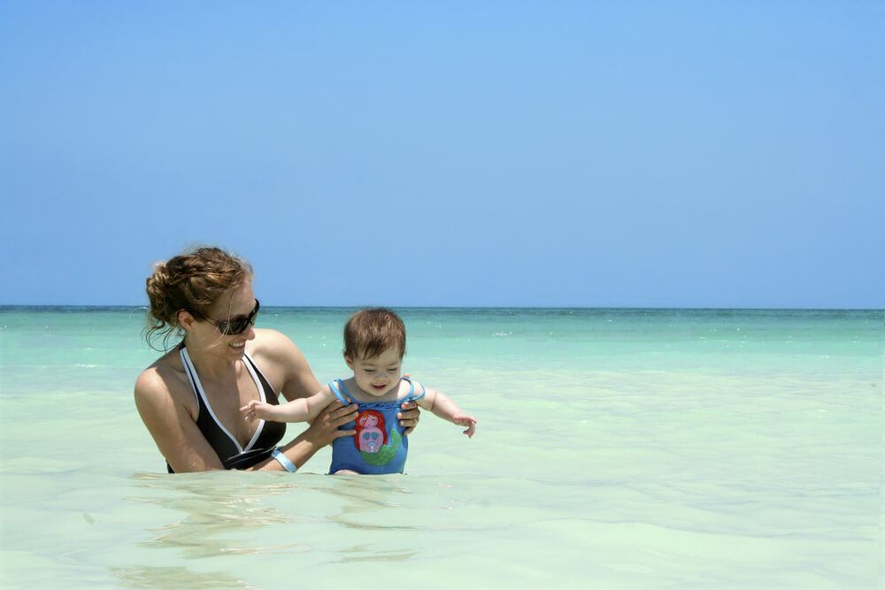 Is Aruba safe to travel for families