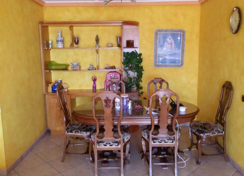 Budget room in family house, Tenerife